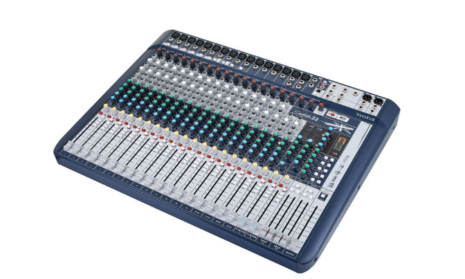 Soundcraft Signature 22